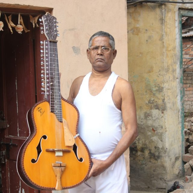 The man behind the Mohan Veena